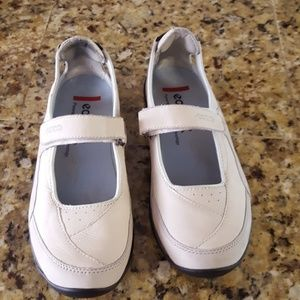 Ecco Mary Jane Sneakers size 37L 6-6.5 white
